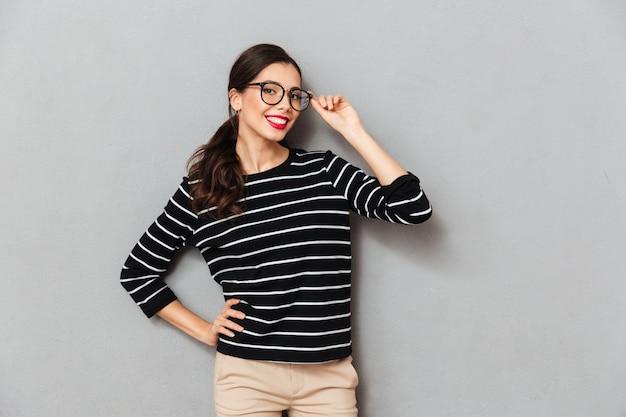 Portrait, sourire, femme affaires, lunettes