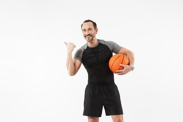 Portrait, sourire, mûrir, sportif, tenue, basket-ball