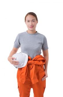 Portrait d'une travailleuse en combinaison mécanique isolé sur fond blanc