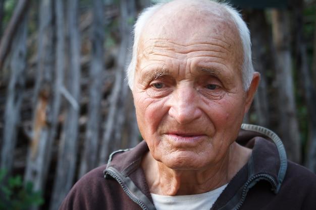 Portrait d'un très vieil homme