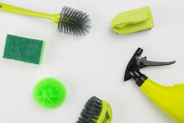 Pose à plat de produits de nettoyage