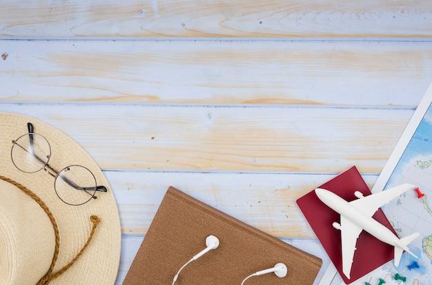 Pose plate d'accessoires de voyage avec espace de copie