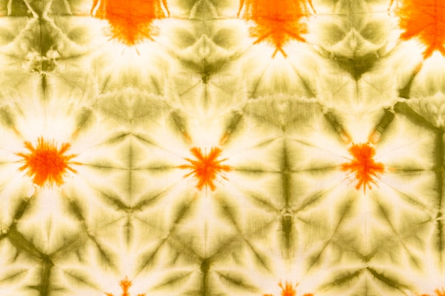 Pose plate de tissu tie-dye