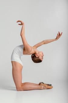 Position de la ballerine à tir complet