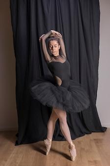 Position debout du ballet complet