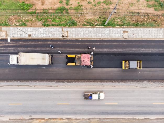 Poste d'opérateur de machine à asphalte et de rouleau compresseur