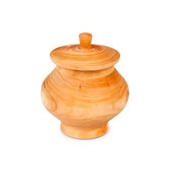 Pot en bois avec couvercle isolé sur fond blanc