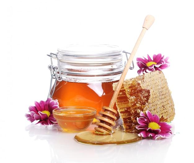 Pot avec du miel frais
