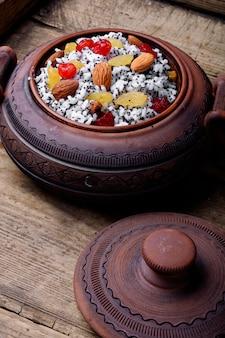 Pot avec kutia