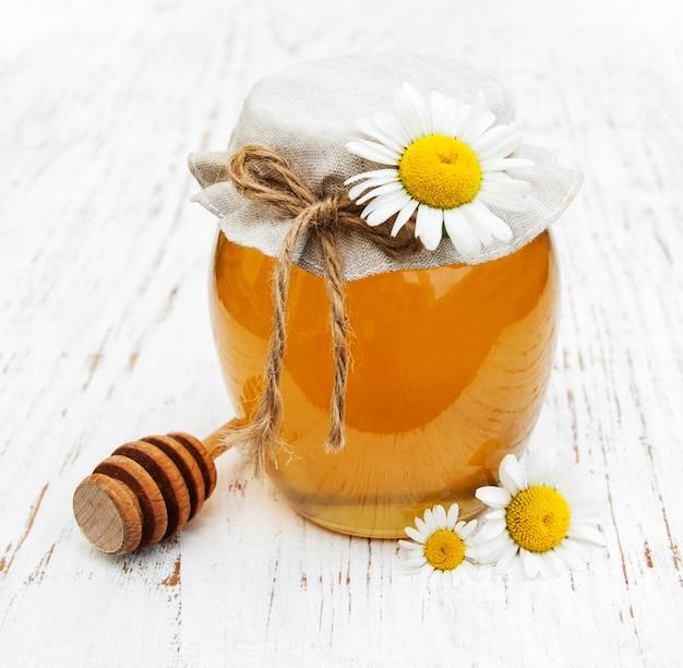 Pot de miel à la camomille