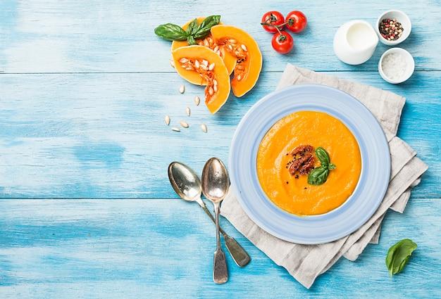 Potage à la citrouille et aux carottes