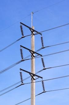 Poteau d'électricité
