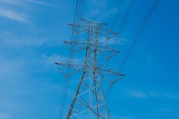 Poteau électrique, haute tension