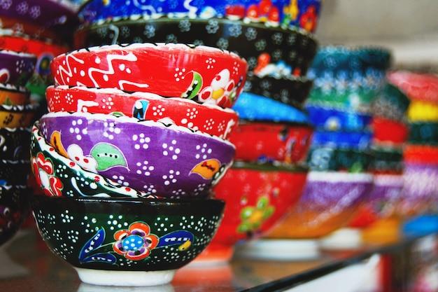Poterie traditionnelle artisanale vendue à la boutique de souvenirs