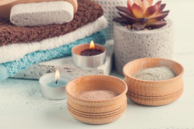 Poudre d'argile marocaine et bougies