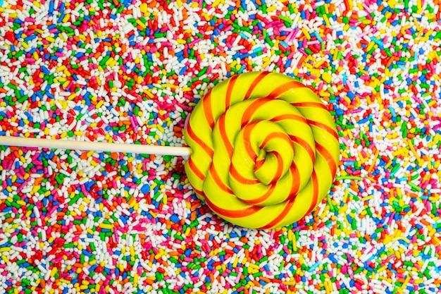 Poudre de bonbons de couleur douce et bonbons au caramel