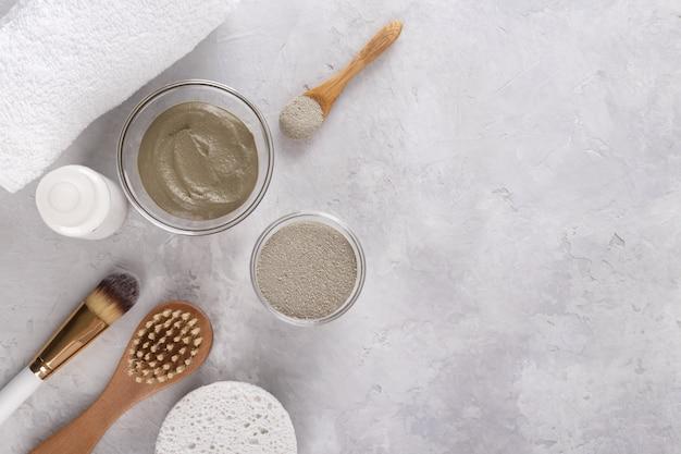 Poudre cosmétique d'argile pour la peau et les cheveux