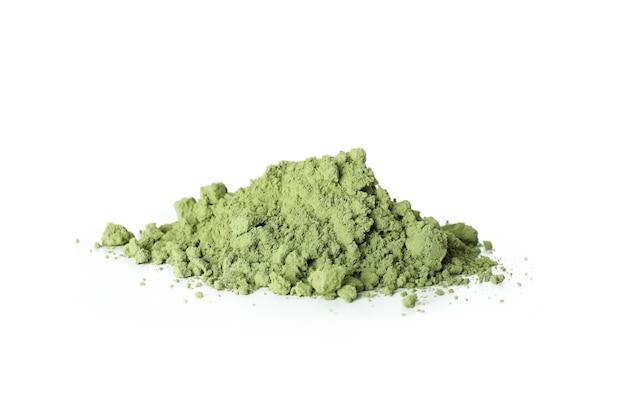 Poudre vert matcha isolé sur fond blanc