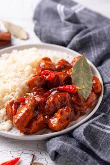 Poulet au curry tikka masala avec riz