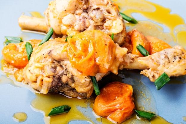 Poulet cuit à l'abricot