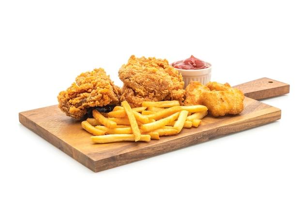 Poulet frit avec frites et nuggets