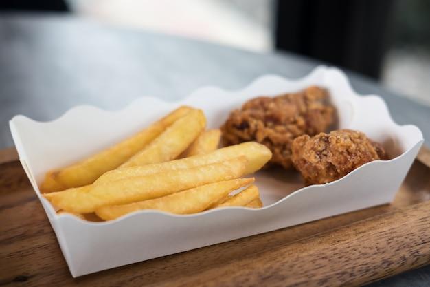 Poulet frit et frites