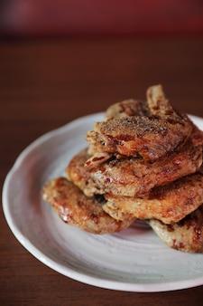 Poulet frit japonais, cuisine japonaise au poulet frit traditionnel de nagoya