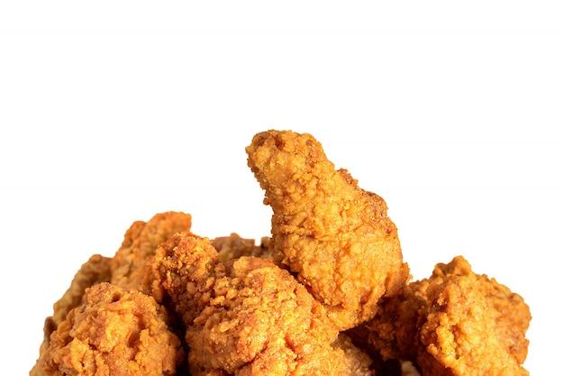 Poulet frit ou kentucky croustillant isolé. délicieux repas chaud avec restauration rapide.