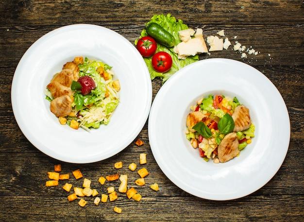 Poulet frit avec salade mixte