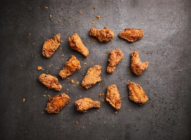 Poulet frit, vue de dessus