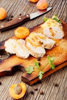 Poulet grillé à l'abricot