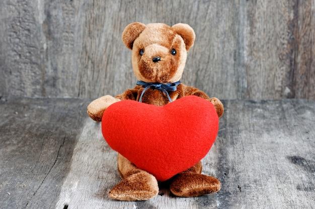 Poupée ourson pour un cadeau spécial à la saint valentin.