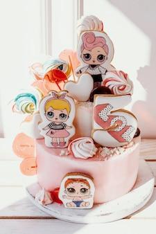 Poupées lol gâteau d'anniversaire pour les filles gâteau rose avec des biscuits de pain d'épice peints pour fille