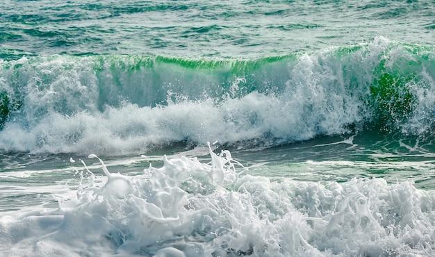 Le pouvoir des vagues
