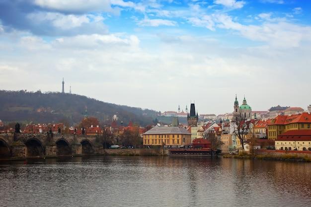 Prague avec le pont charles