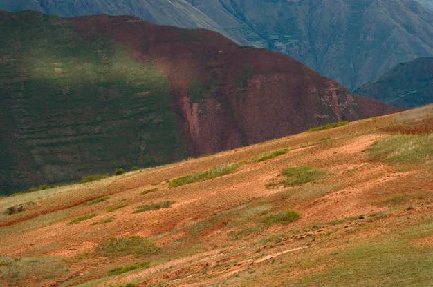 Prairie dans la vallée sacrée, région de cuzco, pérou