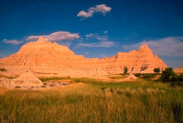 Prairie par monticule