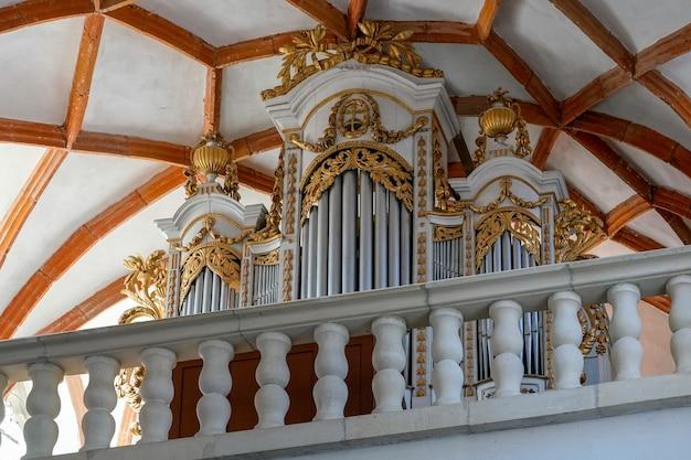 Prejmer, transylvanie/roumanie - 20 septembre : vue de l'orgue dans l'église fortifiée de prejmer transylvanie roumanie le 20 septembre 2018