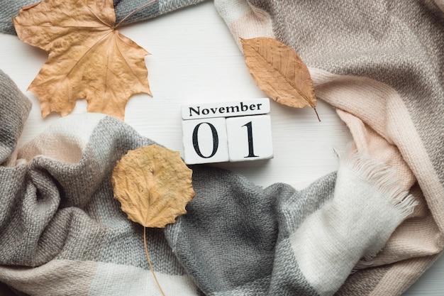 Premier jour du calendrier du mois d'automne novembre.