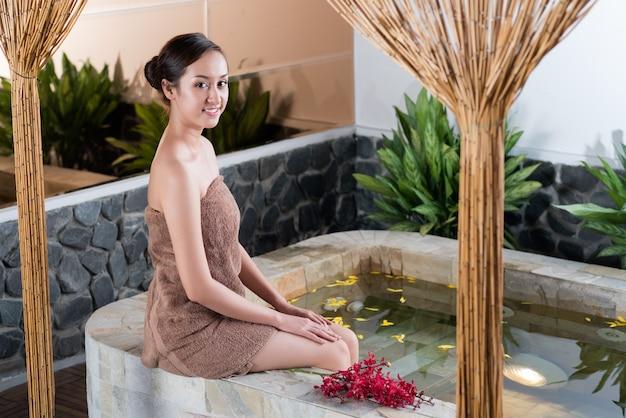 Prendre un bain à remous