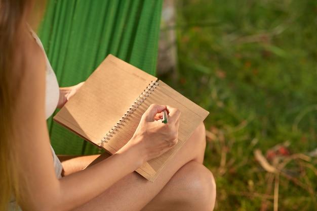 Prendre des notes en plein air