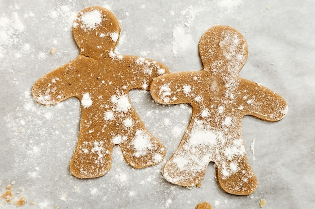 Préparation des biscuits au gingembre.