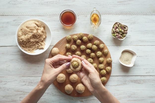 Préparation de biscuits égyptiens