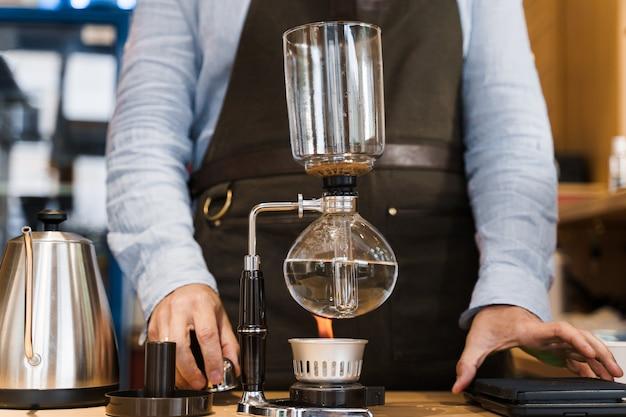 Préparation du café par dispositif siphon
