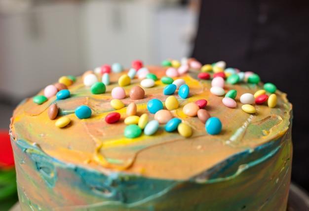 Préparation des gâteaux et des pâtisseries de carnaval.