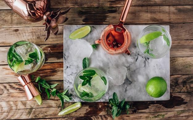 Préparation de limonade, eau infusée ou mojito