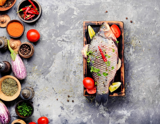 Préparation de poisson cru frais
