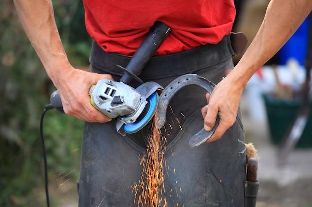 Préparer un fer à cheval