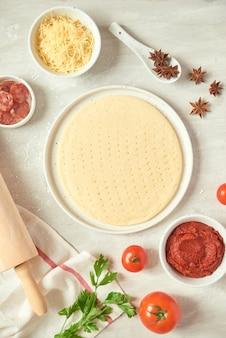 Préparer des pizzas individuelles à partir du bar à pizza