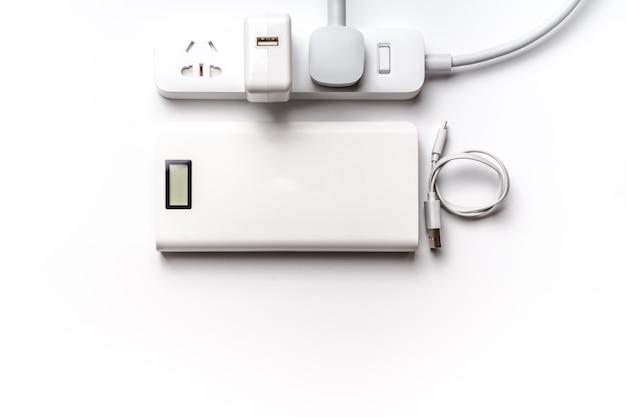 Prise et brancher la barre d'alimentation électrique. économiser de l'énergie et réduire l'efficacité énergétique